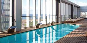 barcelona-teras-havuz-grandhotelCentral1