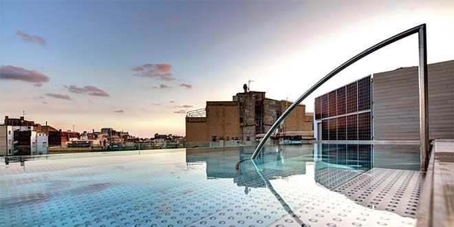 barcelona-teras-havuz-hotelOliviaBalmes