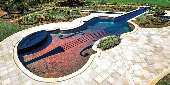 Cam Mozaikli Keman Havuz
